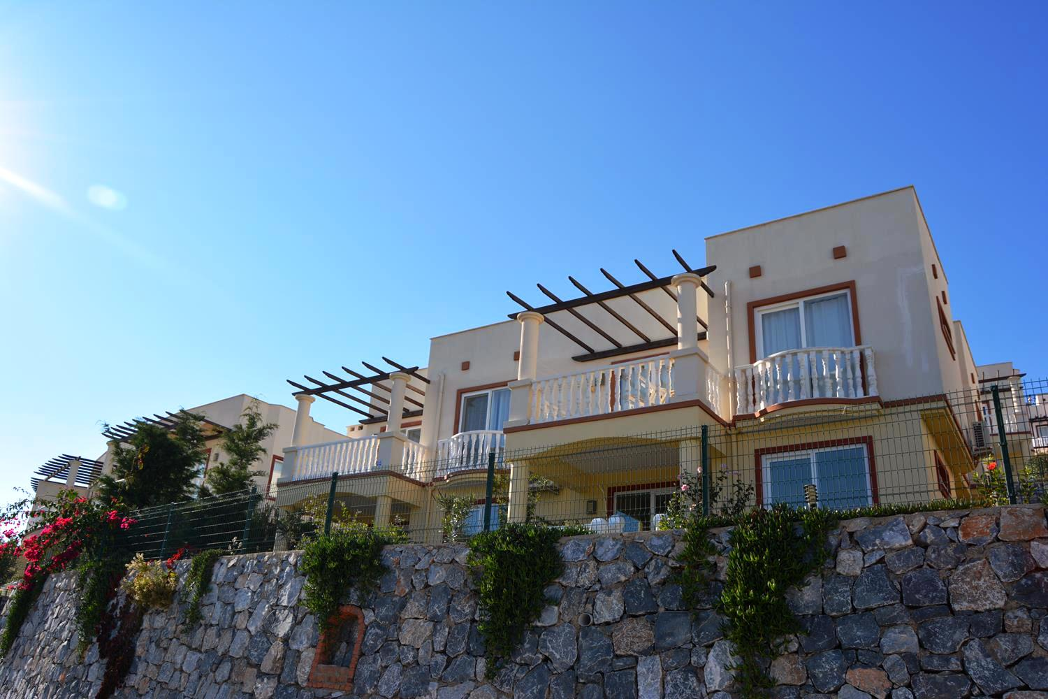 Bodrum – Beautiful  3 B/R Apartment
